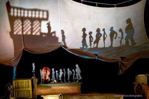 Espectáculo de sombras y piratas